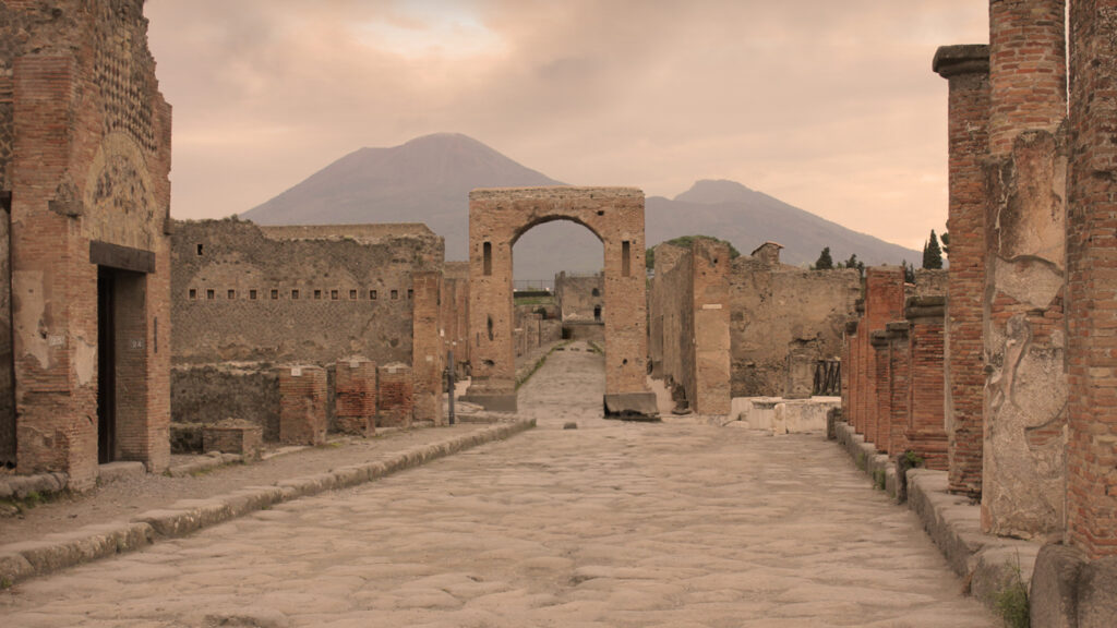 Pompeji med Vesuv i baggrunden